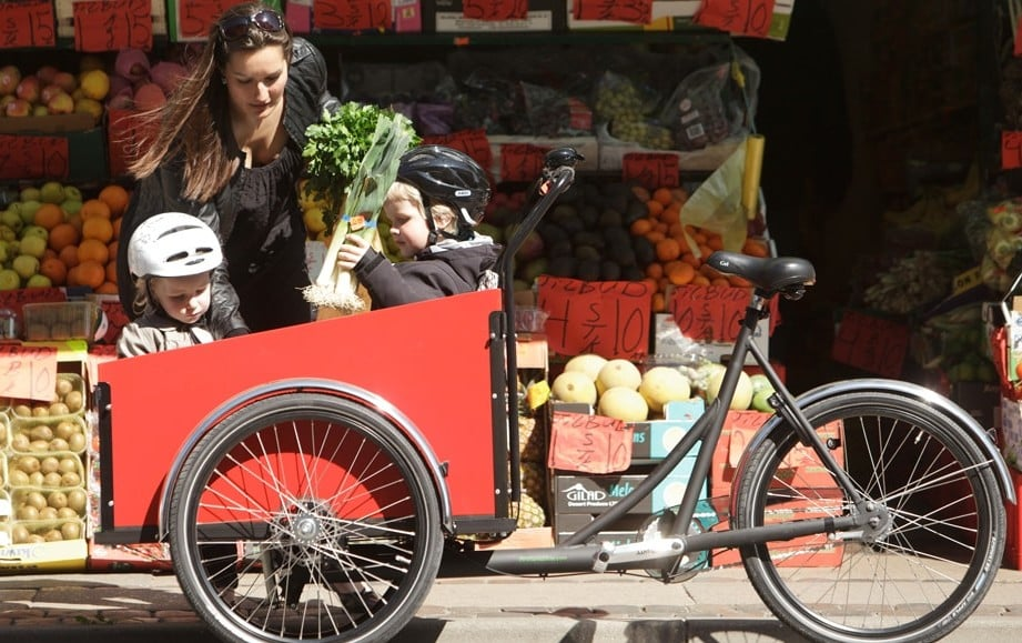Shopping with Kids in cargo bike