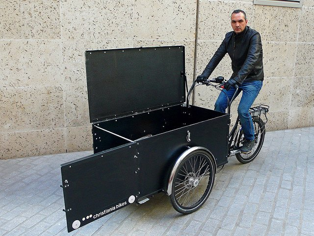 londongreencycles Christiania Cargo Long with front opening door and lockable lid